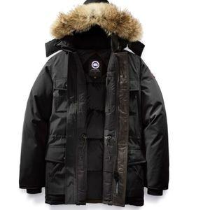 CANADA GOOSE Black Banff Parka Size M